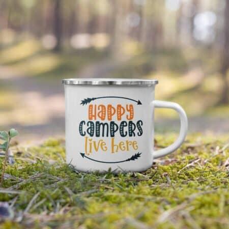 Custom camper mugs bu Celestial Wanderers - Photo: Etsy